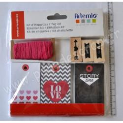 ARTEMIO KIT ETIQUETTES LOVE 30 étiquettes, 7.3m de ficelle et 3 tampons